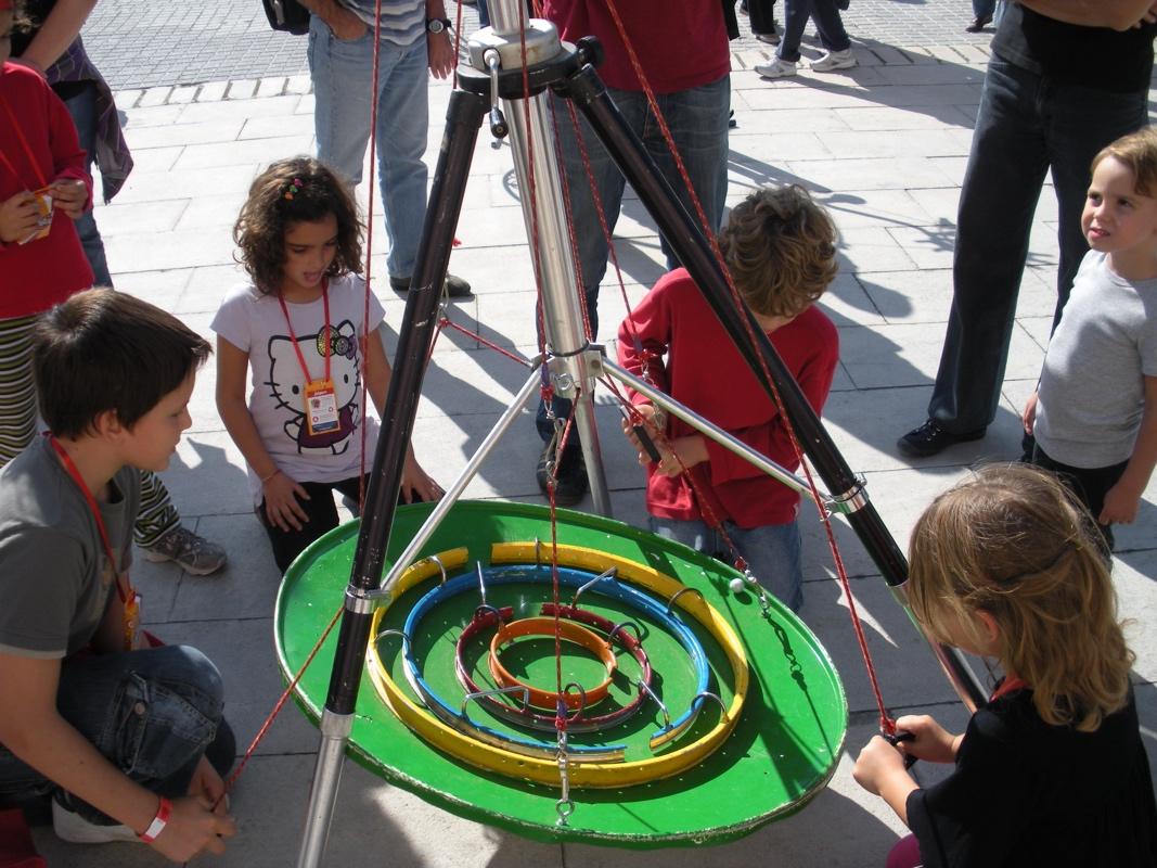 35 jeux interactifs » Programme • Biennale Internationale des Arts du Cirque • BIAC
